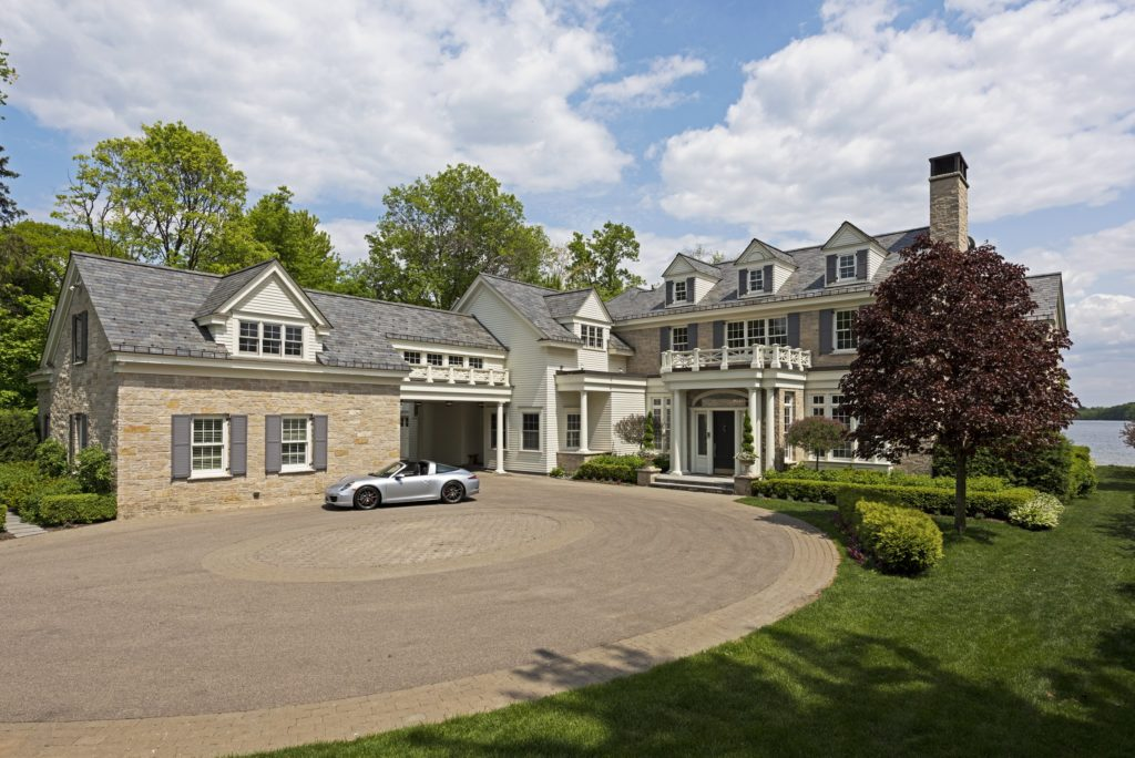 Luxury property in Wayzata