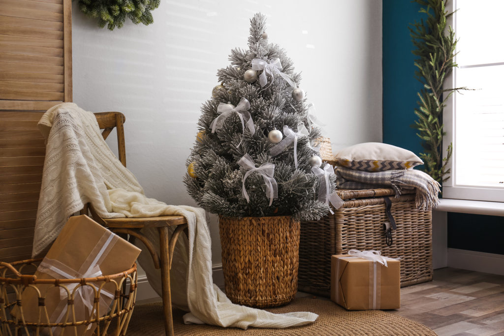wicker baskets are great chirstmas home decor